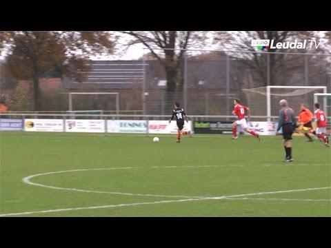 Voetbal Leveroy Neer