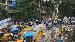 30 feared trapped in Mumbai building collapse