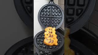 와플기계로 붕어빵 누르기