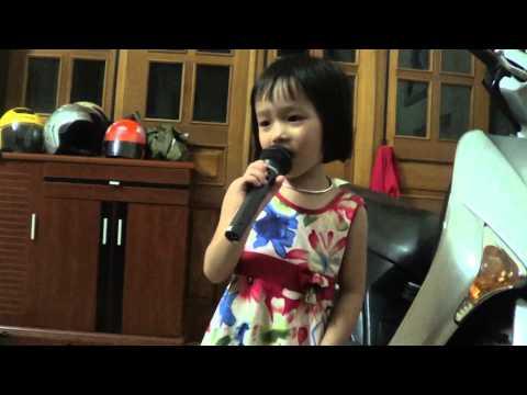 Ngẫu hứng Sông Hồng - Mai Hiếu Ngân 4 tuổi
