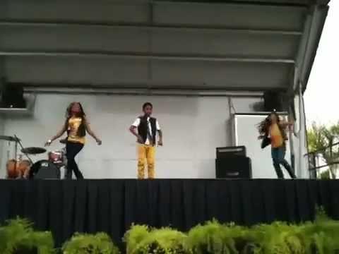 Lil KING Performing