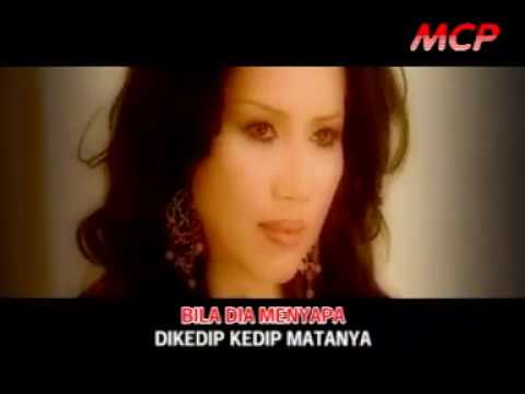 Rita Sugiarto - Dibasah Basah Bibir [Official]