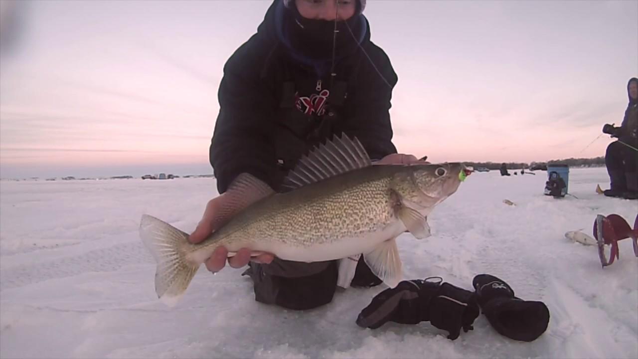 Ice fishing south dakota walleyes youtube for Ice fishing south dakota