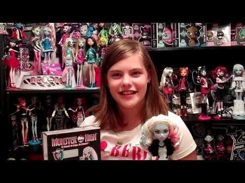Monster High Abbey Bominable Fashion Pack Review By WookieWarrior23