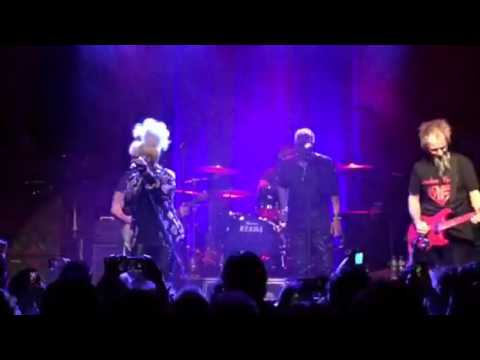 Opening song Mothers Finest 7 maart 2016 Tilburg 013