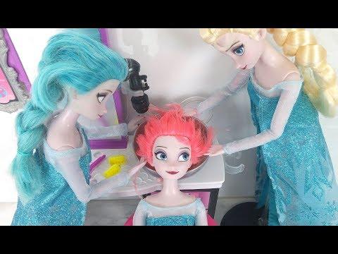 Frozen Elsa Hair Cut HAIR DYE DIY at Barbie Beauty Salon باربي صالون تجميل Barbie Salão de beleza