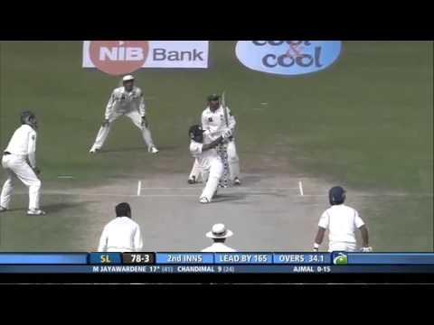 Mahela Jayawardene goes past 11000 Test Runs during this knock