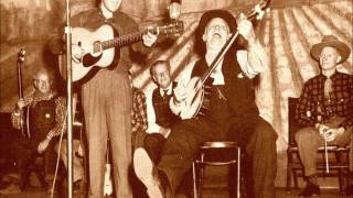Uncle Dave Macon - Take Me Back To My Old Carolina Home
