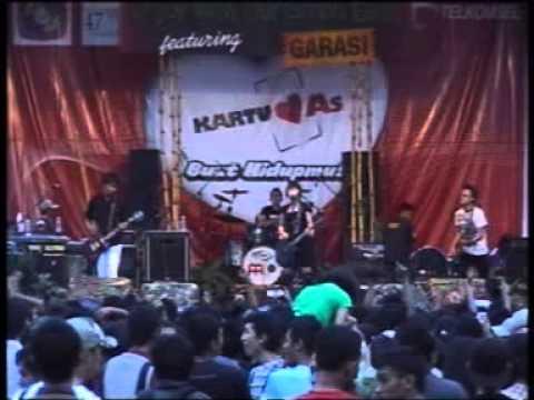 Free Download Garasi Lives Perform At Ewoge 47th Anniv Sman1k 2008 7 Mp3 dan Mp4