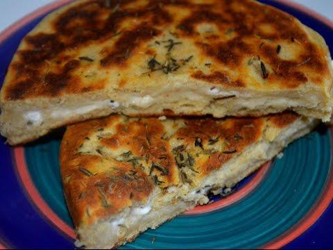 Cuisine un Pain marocain au thym et au fromage rapide et facile