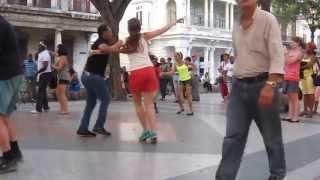 �������� ���� Salsa on the street in La Habana, Cuba ������