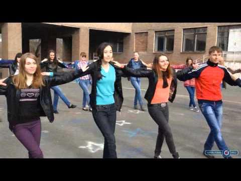 Орские выпускники репетируют танцы для «Весеннего бала»