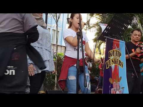 ayam den lapeh-Nurul feat Kutip buskers
