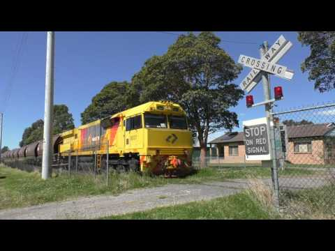 Private Level Crossing, West Dapto Rd, Horsley NSW, Australia.
