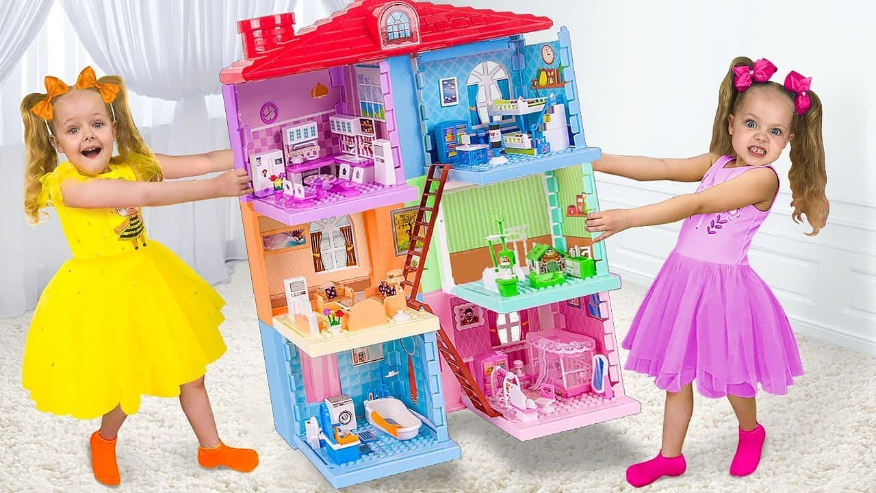 Sasha Pretends Play With Giant Doll House and Wants to be a Good Daughter for Mom