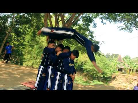 Gontor TV Parkour Indonesia #1 - PERSADA - Training - Film by Taufiq Arly