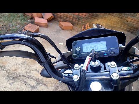Factor 150 146 km/h no cavalete central