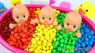 Learn Colors M&M's Chocolate Triple Baby Doll Bath Time and Surprise Toys Play Doh Molds for Kids
