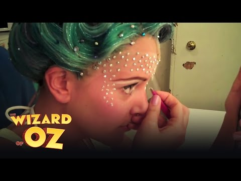 Emily Tierney's Glinda Transformation (part 3) - London | The Wizard of Oz