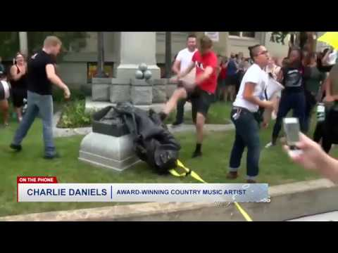 """Charlie Daniels: Don't Tear Statues Down Like ISIS Does; """"If You Don't Like It, Don't Look At It"""""""
