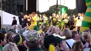 On The Rocks performs Bad Romance at the Oregon BCS pep rally