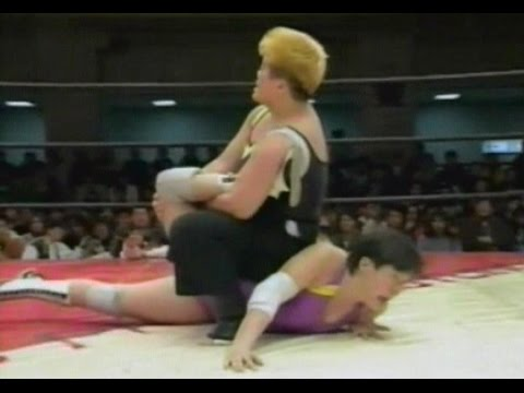 Bat Yoshinaga VS Saemi Numata - YouTube