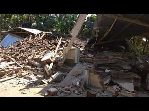Pasca Gempa Lombok Bule Bule Antusias Bantu Korban Gempa Lombok