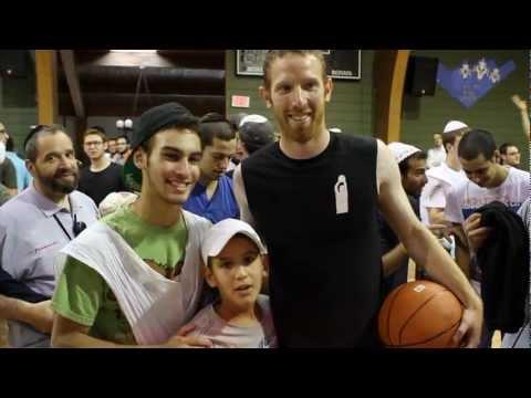Chai Lifeline: Tamir Goodman Visits Camp Simcha for Children Battling Cancer