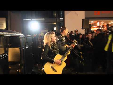 The Subways - Rock and Roll Queen (acoustic London street gig)