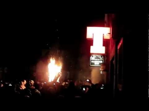 Burghead Clavie 2013 - Harbour Inn.MP4