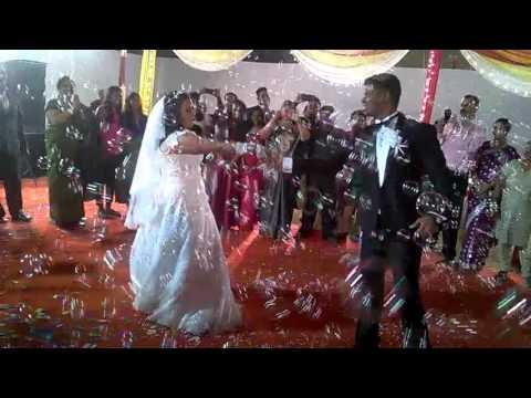 Bubbles effect in wedding. 9821117693.