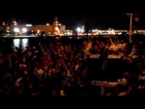 Les jeudis célibataires Bud Light sur le Louis-Jolliet
