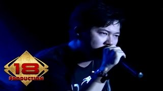 Video Five Minutes - Galau (Live Konser Salatiga Sumut 14 September 2013) download MP3, 3GP, MP4, WEBM, AVI, FLV Maret 2018