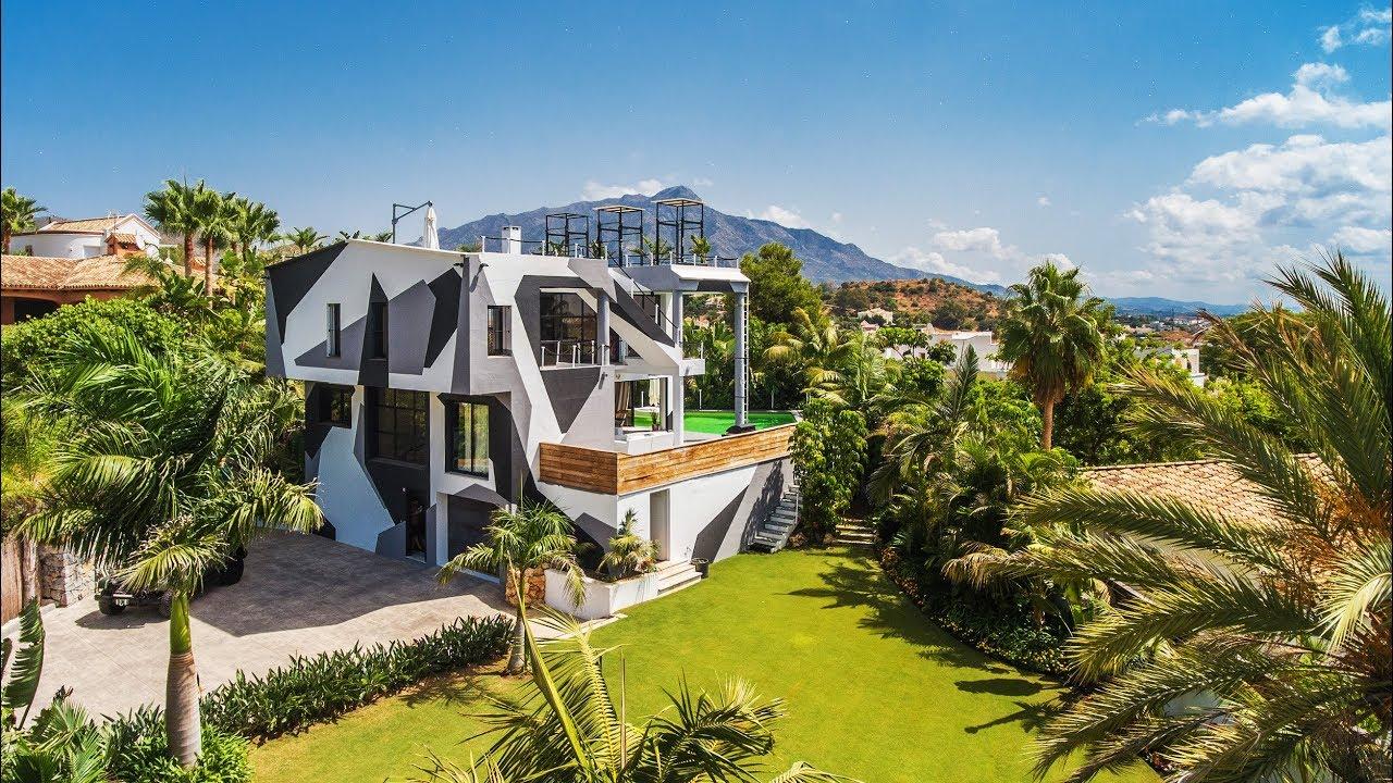 Villa casa camo in la quinta marbella spain sold for Villa casa mansion la cima acapulco