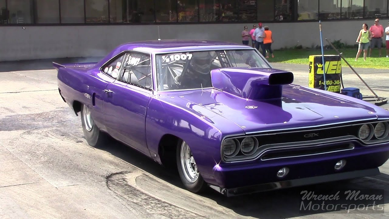 1970 Plymouth GTX Drag Racing The Mopar Nationals - YouTube