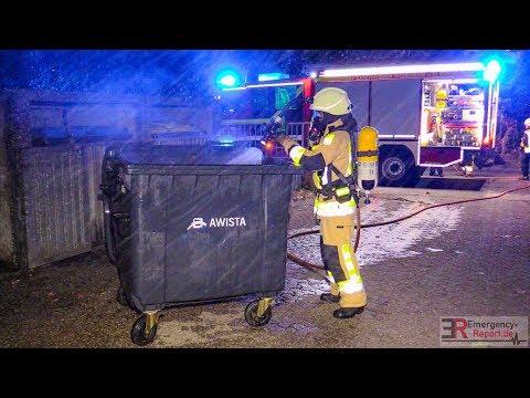 [EINSATZKRÄFTE LÖSCHTEN CONTAINERBRAND] - Feuerwehr Monheim am Rhein -