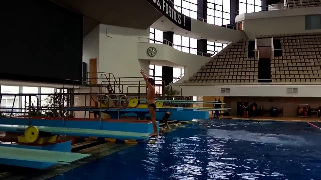 Прыжки в воду Спад назад 4