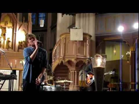 Deportees - A heart like yours in a time like this (Live)