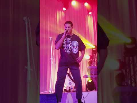 Arin Ray Live - We Ain't Homies