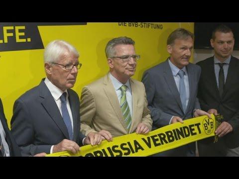 Gegen Rassismus: Innenminister Thomas de Maizière besucht BVB   BVB total!