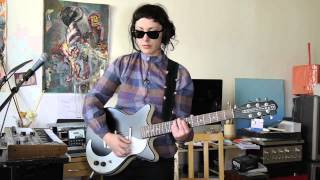 Kitmonsters: Lilies on Mars - Lisa demos Danelectro & Guitar Rig