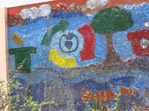 colegiales elaboran mural con mil tapas de botellas por la cop youtube