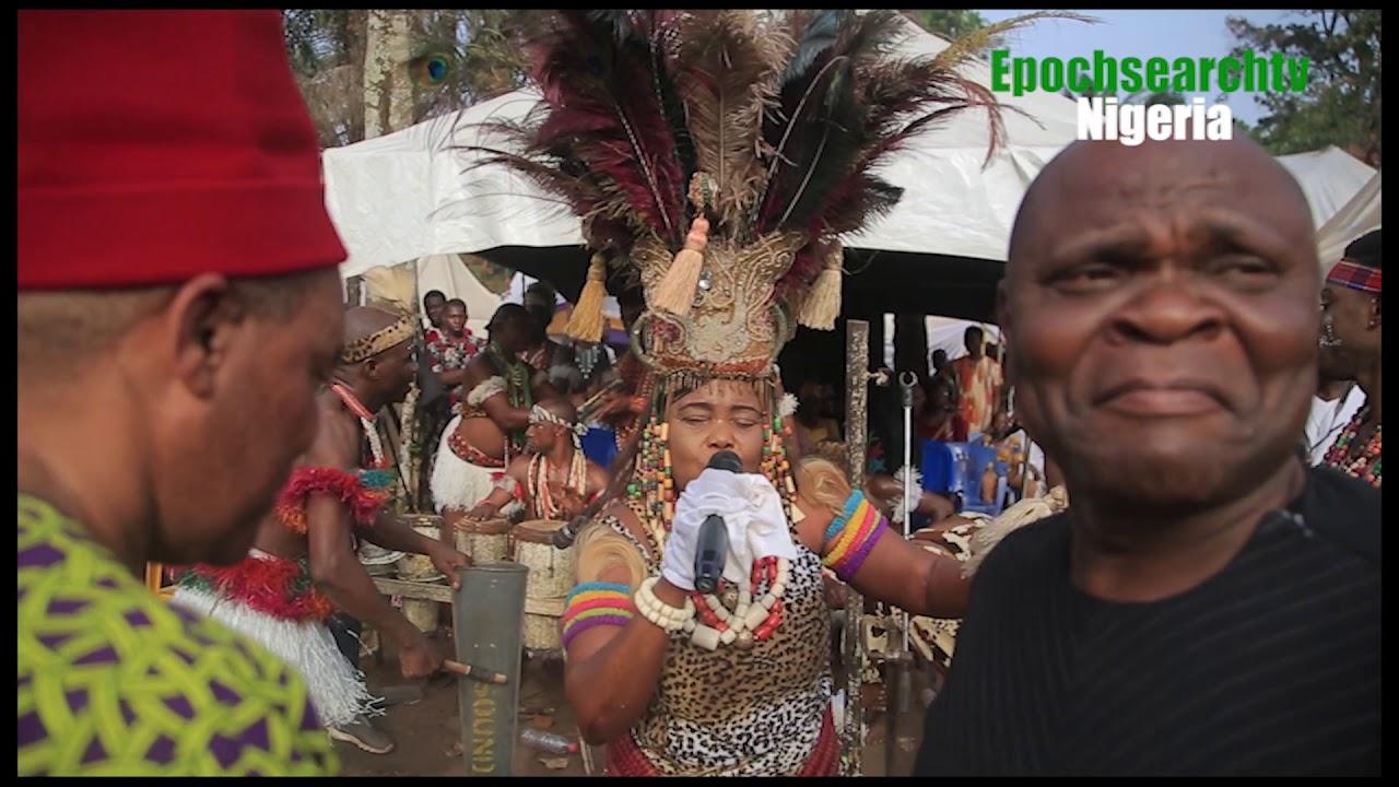 Download QUEEN THERESA ONUORA (EGEDEGE QUEEN OF AFRICA) LIVE PERFORMANCE.