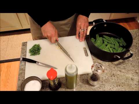 How to Cook Snow Peas with Soy Sauce and Garlic - Episode 45