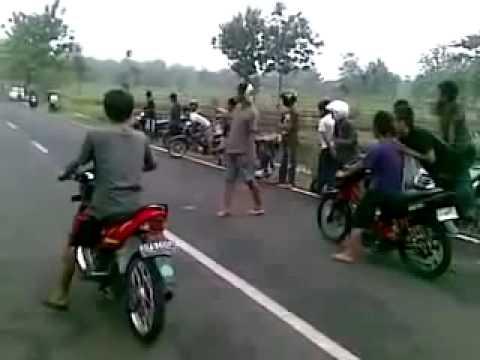 Satria Fu Vs Crypton Drag Bike