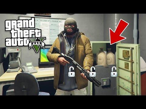 CRACKING SAFES & ROBBING HOUSES!! (GTA 5 Mods)