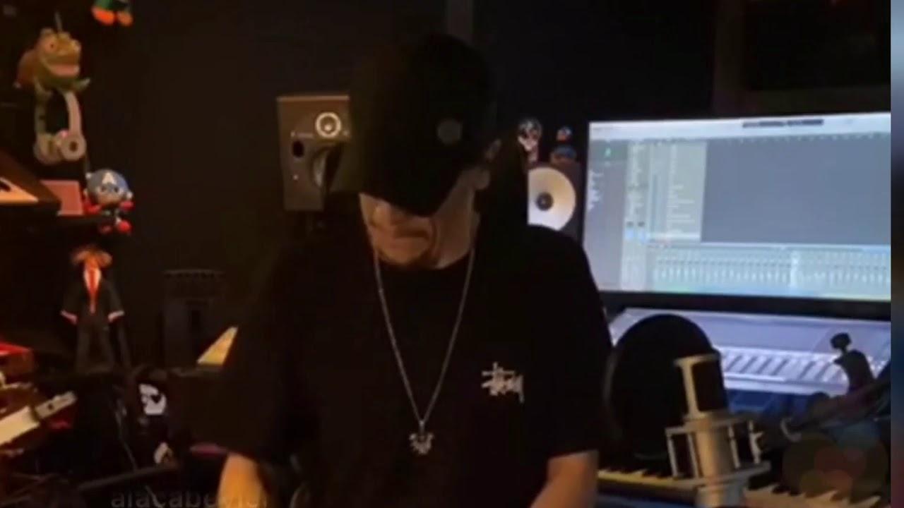 Ersay Üner - Gidiyorsun (Official Video)