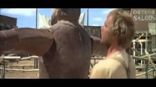 """Terence Hill - Scène comique du film """"Mon nom est personne""""."""