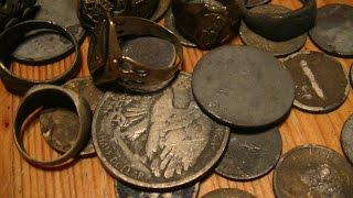 Metal detecting a river full of silver and gold (part 1)