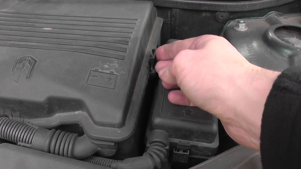Battery Location Mini One Cooper S Convertible R50 R52 R53 Youtube